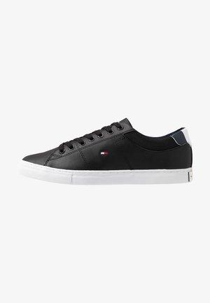 ESSENTIAL COLLAR  - Sneakers laag - black