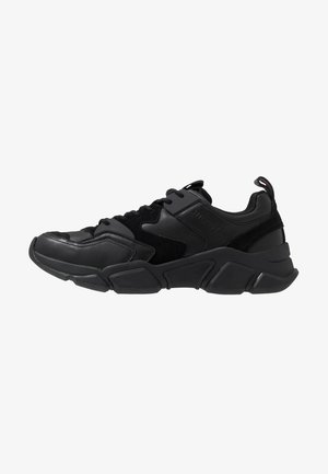 CHUNKY TRAINER - Baskets basses - black