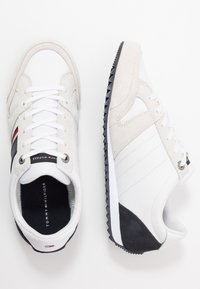Tommy Hilfiger - ESSENTIAL RUNNER - Sneakers basse - red/white/black - 1