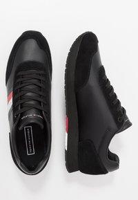 Tommy Hilfiger - CORPORATE FLAG RUNNER - Sneakers - black - 1