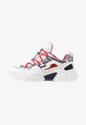 CITY VOYAGER CHUNKY - Sneakers - white