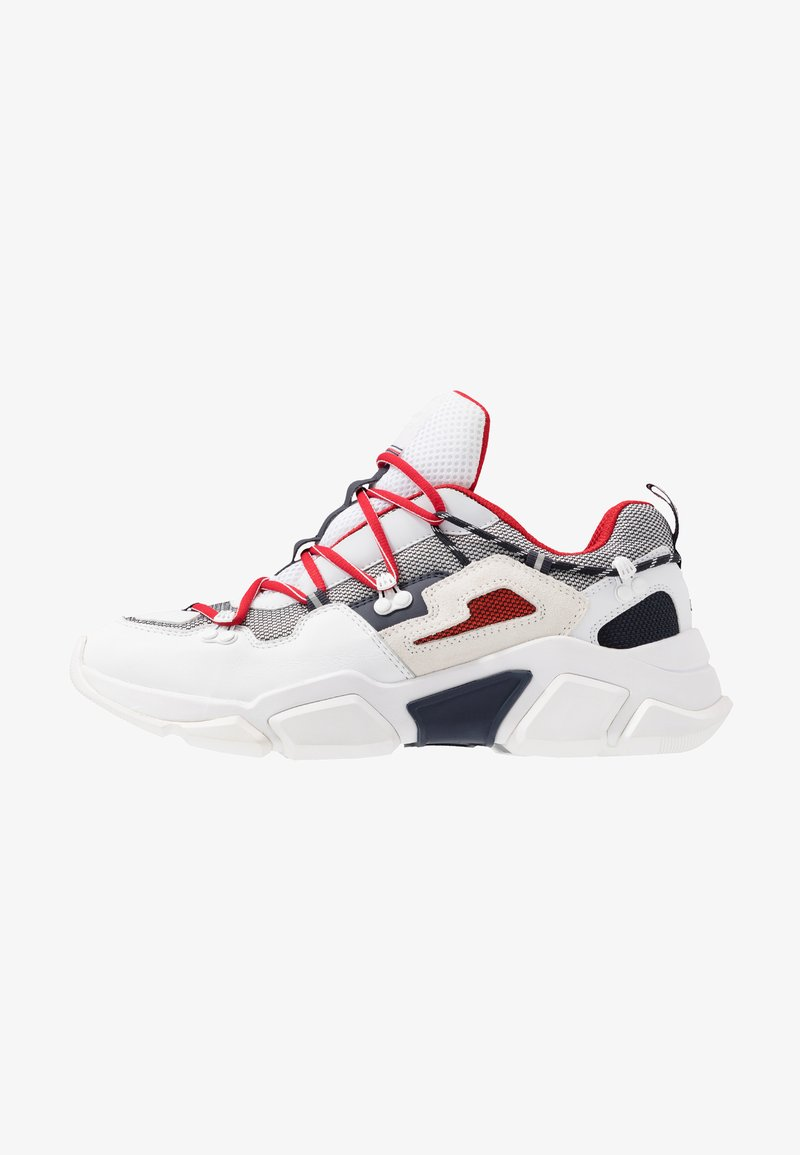 Tommy Hilfiger - CITY VOYAGER CHUNKY - Baskets basses - white