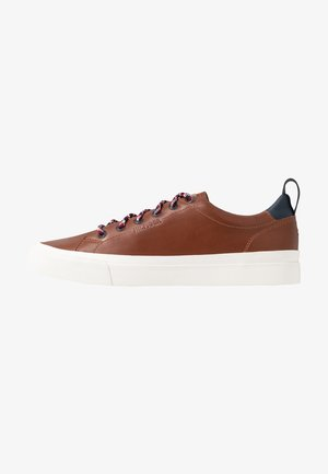 PREMIUM VULCANIZED  - Sneakers basse - brown