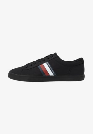 ESSENTIAL STRIPES DETAIL - Sneakersy niskie - black