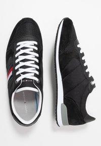 Tommy Hilfiger - ICONIC RUNNER - Sneakersy niskie - black - 1