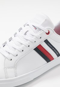 Tommy Hilfiger - ESSENTIAL CUPSOLE - Trainers - white - 6