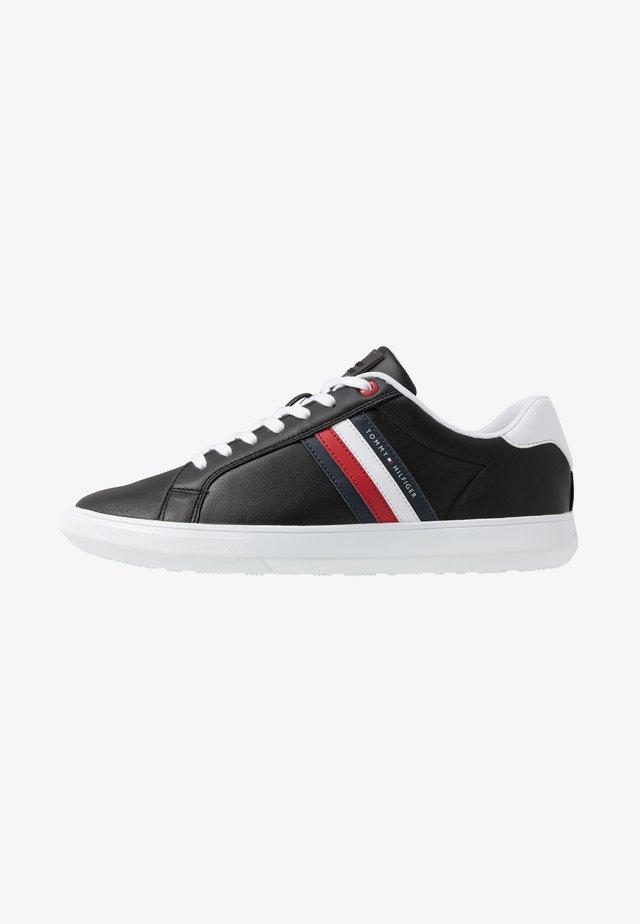 ESSENTIAL CUPSOLE - Sneakers laag - black