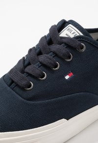 Tommy Hilfiger - CORE OXFORD - Trainers - blue - 5