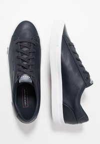 Tommy Hilfiger - CORPORATE - Trainers - blue - 1