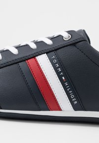 Tommy Hilfiger - CORPORATE - Sneakersy niskie - blue - 5