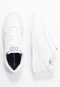 Tommy Hilfiger - LIGHTWEIGHT - Sneakers - white - 1