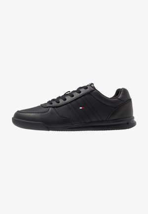 LIGHTWEIGHT - Sneakersy niskie - black