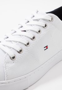Tommy Hilfiger - SEASONAL - Sneakers - white