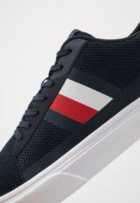 Tommy Hilfiger - LIGHTWEIGHT - Sneakers - blue - 5