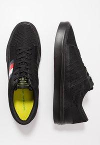 Tommy Hilfiger - LIGHTWEIGHT - Sneakersy niskie - black - 1