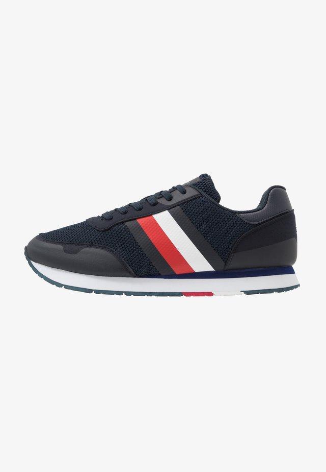 CORPORATE RUNNER - Sneakersy niskie - blue