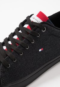 Tommy Hilfiger - ESSENTIAL LONG LACE - Trainers - black - 5