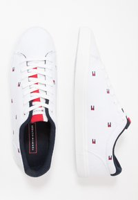 Tommy Hilfiger - ESSENTIAL  - Sneakers basse - white - 1