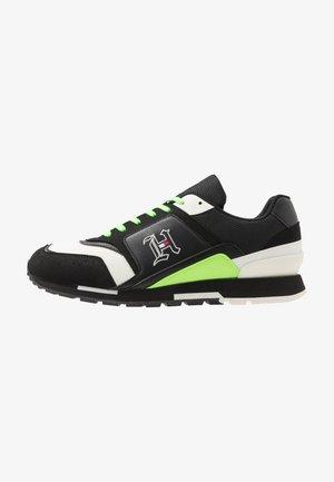 LEWIS HAMILTON RETRO TRAINER - Sneakers laag - black