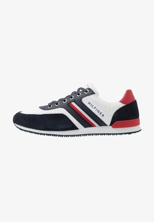 ICONIC RUNNER - Sneaker low - white