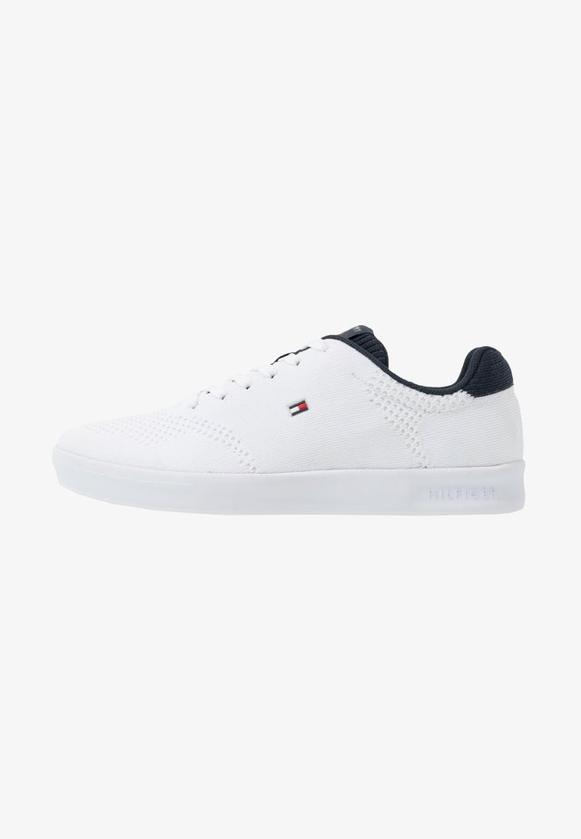 LIGHTWEIGHT CUPSOLE - Sneaker low - white