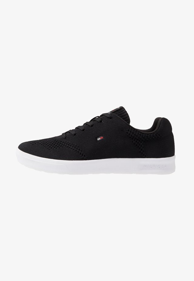 LIGHTWEIGHT CUPSOLE - Sneakers laag - black
