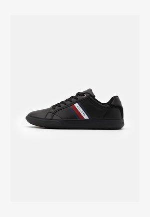 ESSENTIAL CUPSOLE - Sneakersy niskie - black