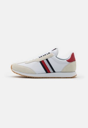 MIX RUNNER STRIPES - Trainers - white