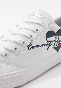 Tommy Hilfiger - Sneakers laag - white - 2