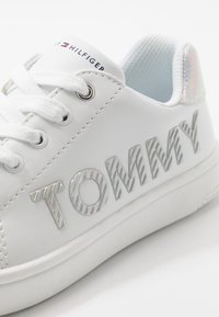 Tommy Hilfiger - Sneakers basse - white/silver - 2