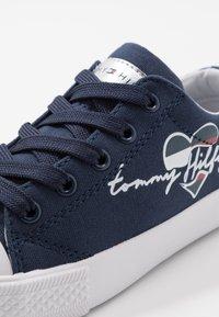 Tommy Hilfiger - Baskets basses - blue - 5