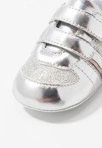 Tommy Hilfiger - First shoes - silver - 5
