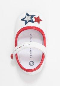 Tommy Hilfiger - Chaussons pour bébé - white/blue/red - 1