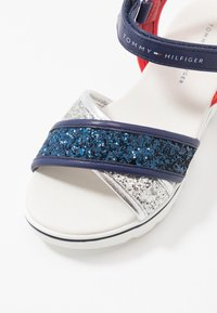Tommy Hilfiger - Sandals - silver/blue/red - 2