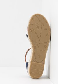 Tommy Hilfiger - Sandales - blue/white/red - 5