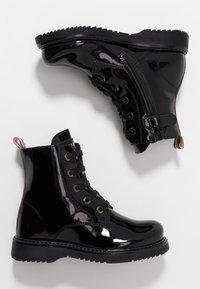 Tommy Hilfiger - BOOT - Botines con cordones - black - 0