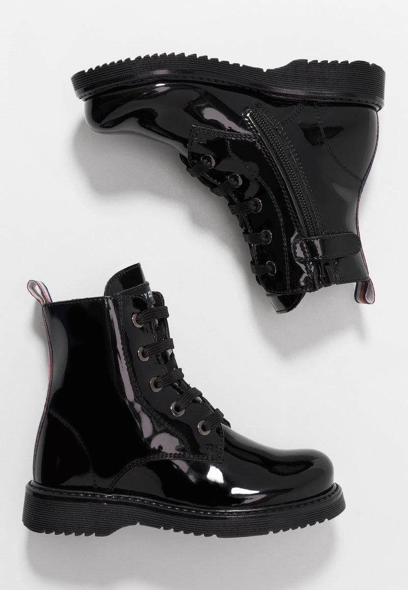 Tommy Hilfiger - BOOT - Botines con cordones - black