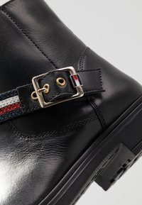 Tommy Hilfiger - Classic ankle boots - black - 5