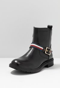 Tommy Hilfiger - Classic ankle boots - black - 2