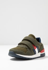 Tommy Hilfiger - Sneakers laag - green - 2