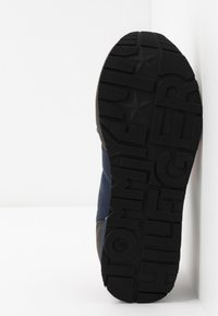 Tommy Hilfiger - Sneakers laag - grey/blue - 5