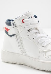 Tommy Hilfiger - Baskets montantes - white - 5