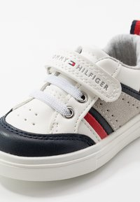 Tommy Hilfiger - Sneakers laag - blue/white/red - 2