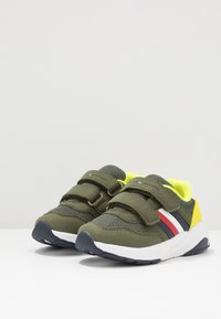 Tommy Hilfiger - Sneakers laag - military green - 3
