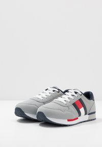 Tommy Hilfiger - Sneakers laag - grey - 3