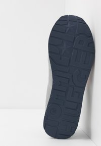 Tommy Hilfiger - Sneakers laag - grey - 5