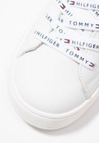 Tommy Hilfiger - Baskets basses - white - 2