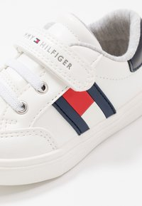 Tommy Hilfiger - Trainers - white/blue - 2