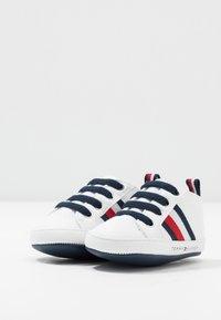 Tommy Hilfiger - Chaussons pour bébé - white - 0