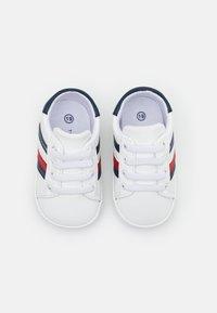 Tommy Hilfiger - Scarpe neonato - white/blue - 3